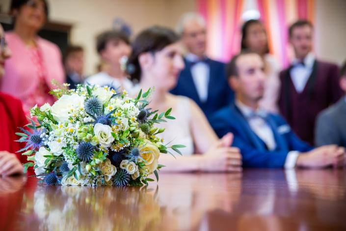 Bouquet de mariée à la mairie